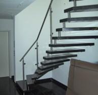 Treppen - Treppe-aus-Edelstahl-6