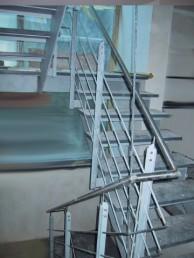 Treppe aus Edelstahl 3